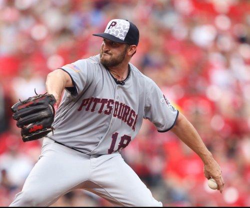 New York Yankees release LHP Jonathon Niese