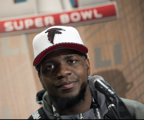 Falcons WR Sanu shares heartwarming letter from plane passenger