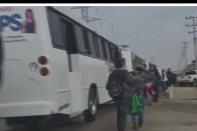 New caravan of up to 2,000 migrants seeks to cross border into Texas