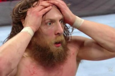 WWE Elimination Chamber: Daniel Bryan survives