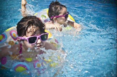 Follow pool safety tips when children in water