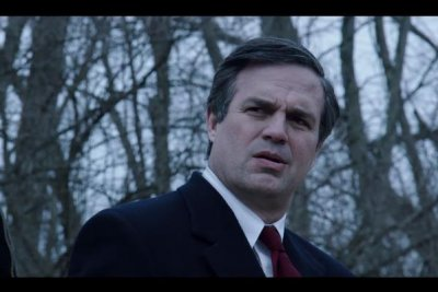'Dark Waters': Mark Ruffalo takes on DuPont in first trailer