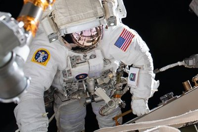 NASA spacewalkers complete upgrade at Int'l Space Station