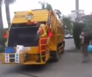 Taiwan visitor learns 'ice cream truck' sounds come from garbage truck