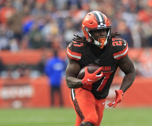 Browns' Kareem Hunt cited for speeding; police say marijuana found in vehicle