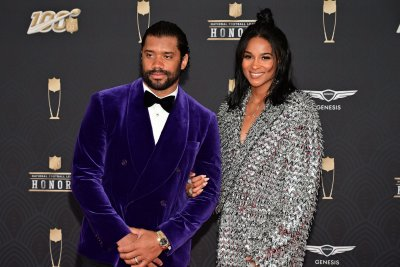 Seahawks' Russell Wilson, wife Ciara donate 1 million meals to Seattle area