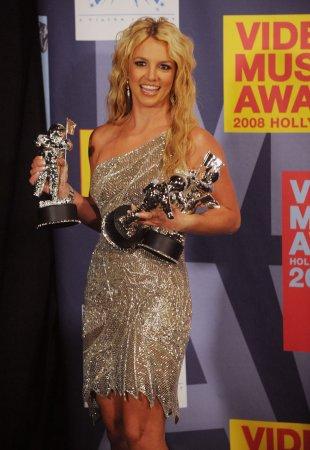 Britney, WWE beat Obama as superstars on Yahoo!