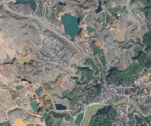 Landslide at Myanmar jade mine kills at least 90