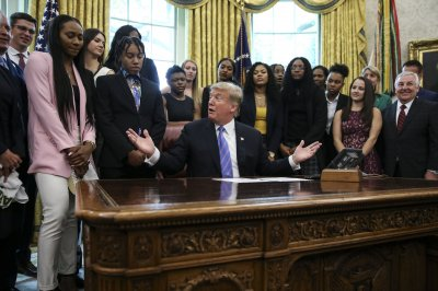 Lady Bears become 1st female team to visit Trump White House