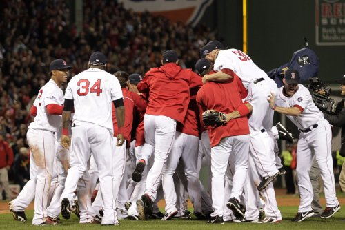 MLB: Boston 5, Detroit 2