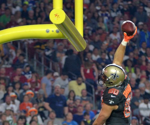 Team Irvin edges Team Carter in Pro Bowl