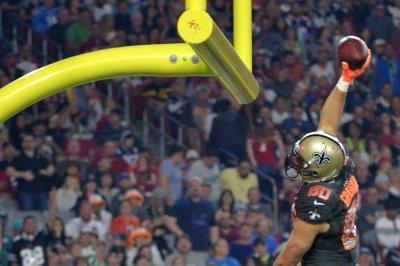 Team Irvin edges Team Carter in Pro Bowl