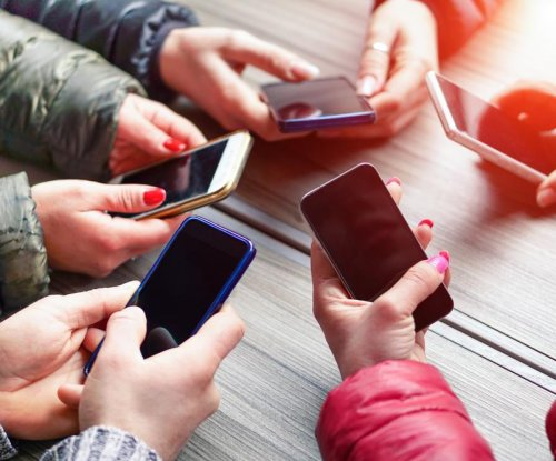 Study: Cellphone radiation linked to cancer
