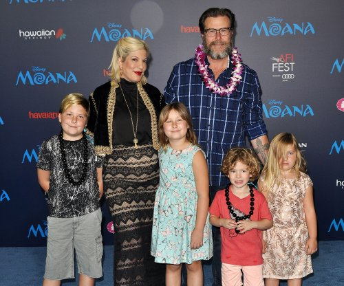 Judge orders Tori Spelling and husband to pay $220,000