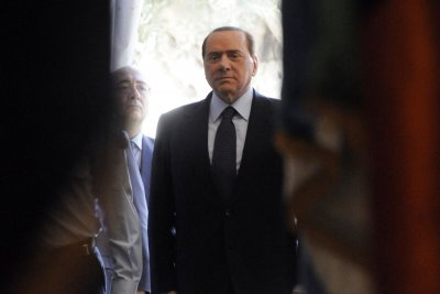 Italy's Berlusconi vows to deport 600,000 undocumented immigrants
