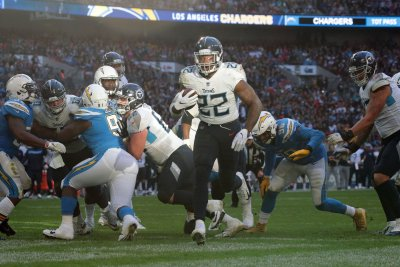Derrick Henry, Amari Cooper named NFL Players of Week
