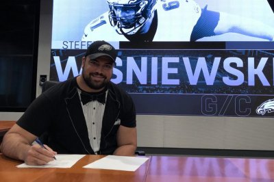 Eagles re-sign OG Stefen Wisniewski for $1.5M