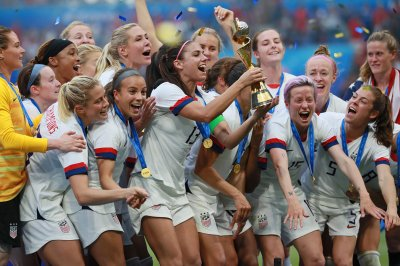 U.S. women's soccer players say federation distorting salary figures