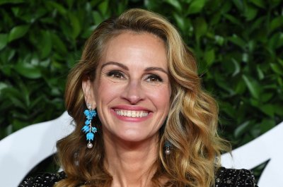 Julia Roberts, Hugh Jackman hand social media over to health experts