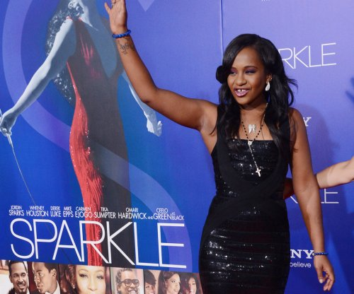 Bobbi Kristina Brown's family keeps vigil at hospice