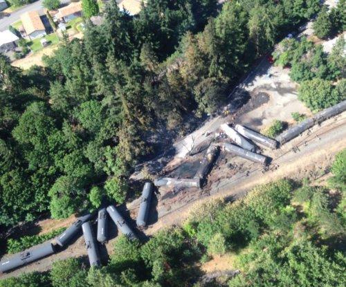 Oil sheen detected in Columbia River after Oregon train derailment