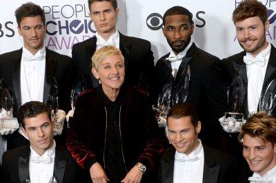 2017 People's Choice Award winners -- Ellen DeGeneres, Blake Shelton score multiple prizes