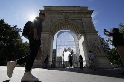 Artist Ai Weiwei tackles immigration with 'Good Fences'