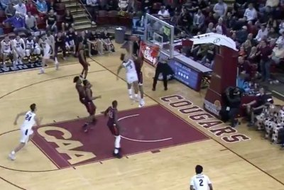 Purdue's Carsen Edwards hammers left-handed dunk vs. Virginia Tech