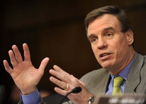 Sen. Mark Warner leads Republican challenger in Virginia