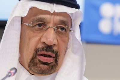 Saudi oil minister sees no threat to effort to balance the market