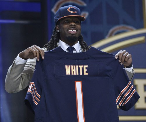 Bears reportedly won't pick up White's option