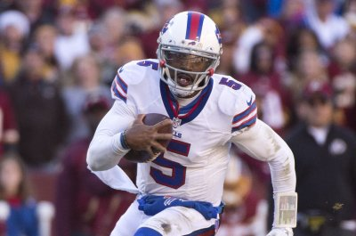 Cleveland Browns QB Tyrod Taylor funds workouts in Los Angeles