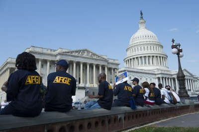 Federal workers' union sues government over shutdown