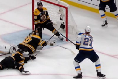 Bruins' David Krejci makes miraculous save to rob Alex Pietrangelo of sure goal