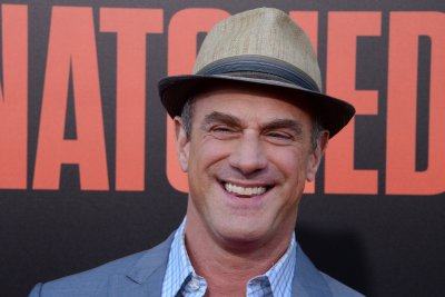 Christopher Meloni teases Elliot Stabler's 'Law & Order: SVU' return