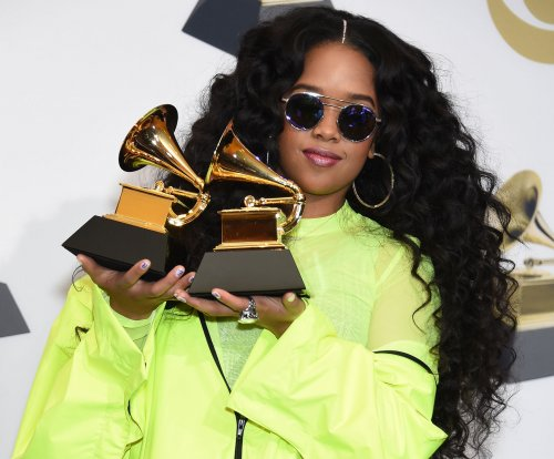 H.E.R., Chris Stapleton to perform together at CMT Music Awards