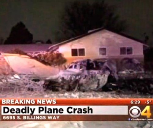 Pilot dies in crash after taking off from Denver-area airport