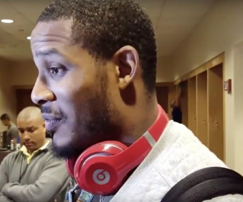 Houston Rockets' Trevor Ariza leaves with bruised back