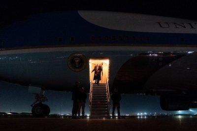 特朗普头家的惊喜阿富汗感恩之旅后,
