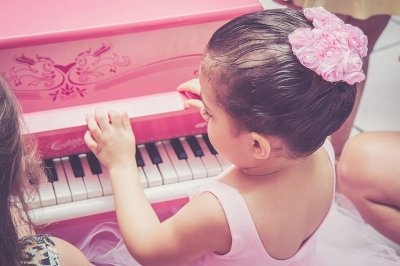 Some infants can identify major, minor musical tones at 6 months
