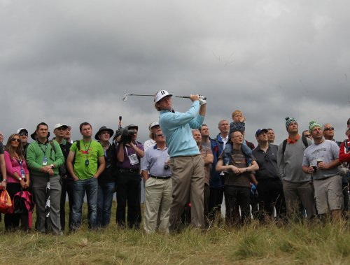 Snedeker jumps into British Open lead