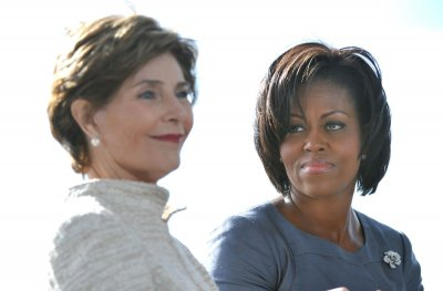 Michelle Obama, Laura Bush compare notes on being first lady - UPI.com