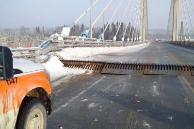 Nipigon River Bridge fails in bitter cold, severs Trans-Canada Highway