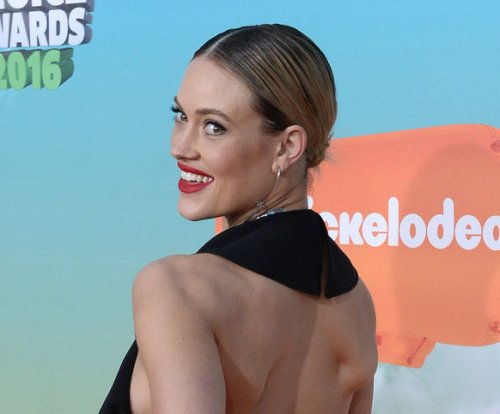 Peta Murgatroyd 'tried' to put wedding to Maksim Chmerkovskiy 'on hold'