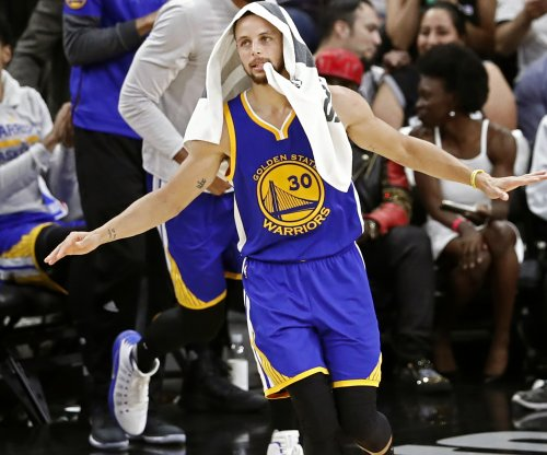 Stephen Curry: Golden State Warriors PG teaching basketball class