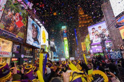 1 million revelers flood NYC's Times Square to ring in 2020