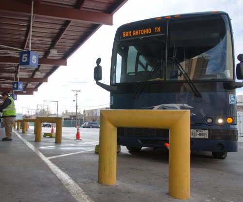 Greyhound will not allow Border Patrol searches without warrants