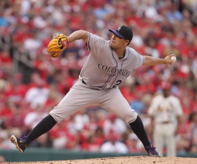 Colorado Rockies' Jorge De La Rosa controls St. Louis Cardinals again
