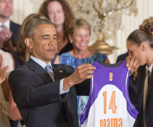 President Obama honors 2014 WNBA champions at the White House