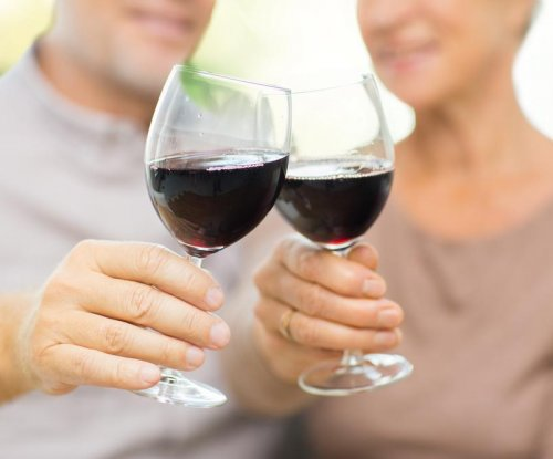 Alcohol may reduce risk of death during early-stage Alzheimer's disease